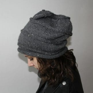 knit pattern of a slouchy beanie hat