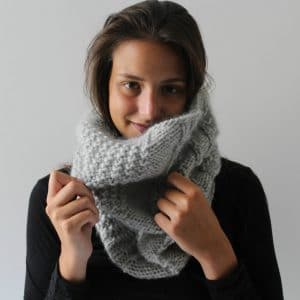 snood to handknit with pattern to download