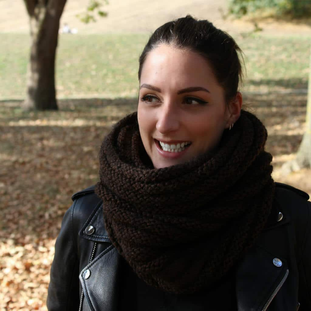 DIY Knit a snood scarf Brigitte head covering-free pattern