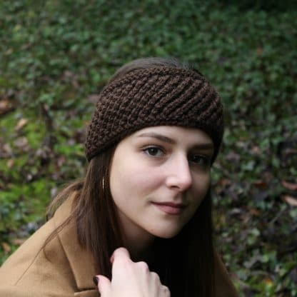 headband to knit in the round with a pattern to download