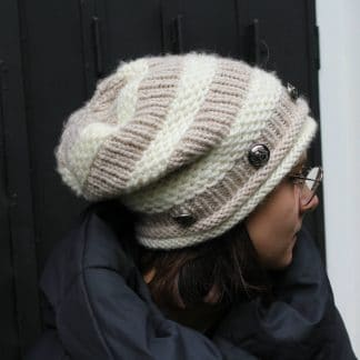 how to knit a slouchy beanie hat in the round with 2 colors and 3 knit stitches for a rock style